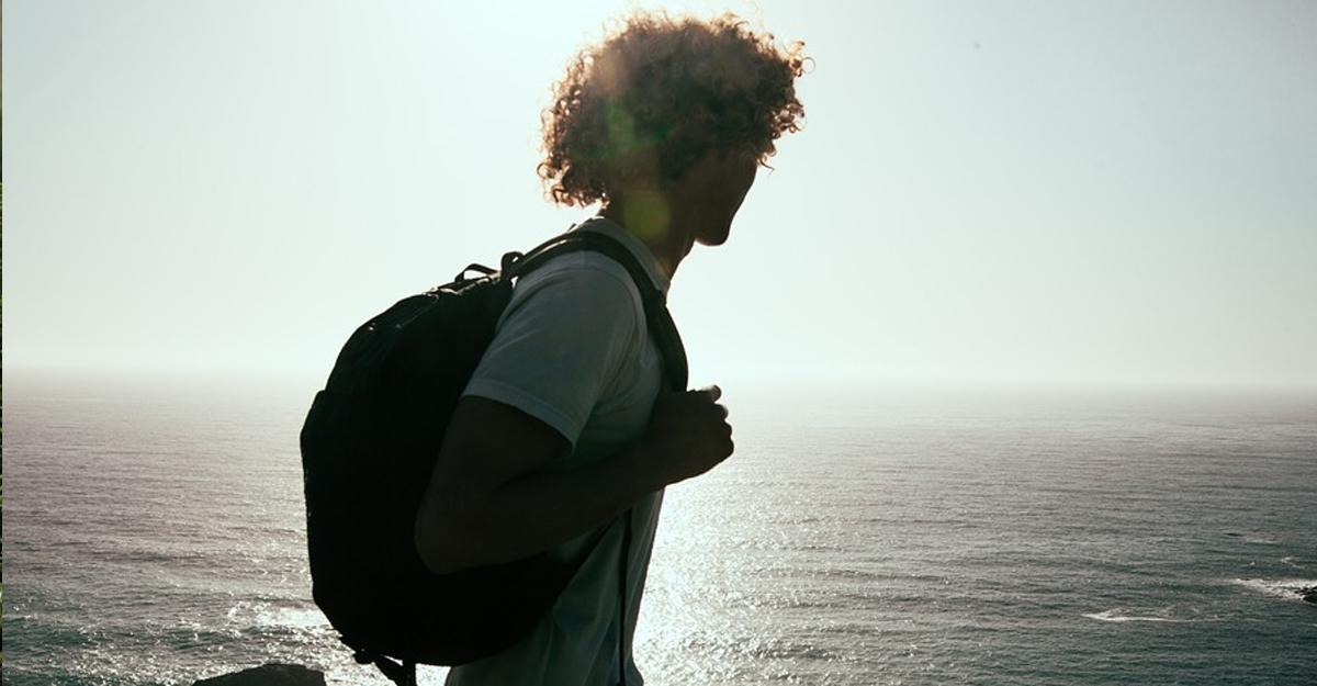 giovane in viaggio